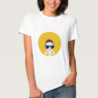fashion girl wearing sunglasses t shirts