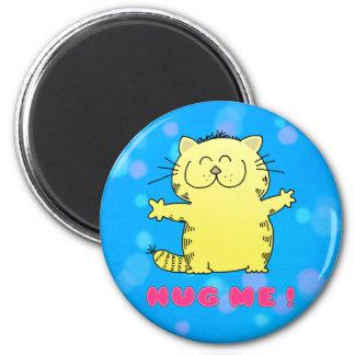 Fat Kitty Hug 6 Cm Round Magnet