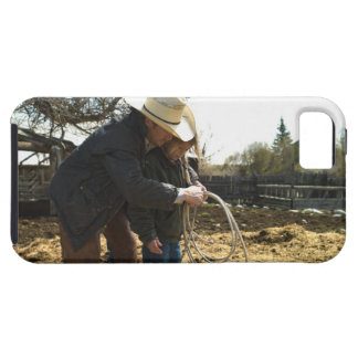 Father teaching daughter how to use lasso on iPhone 5 cases
