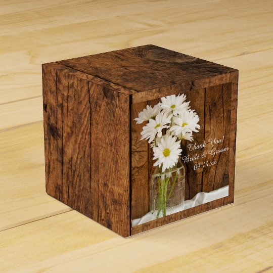 Faux Barn Wood Mason Jar and White Daisies