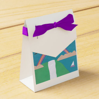 Favor Box with Rainbow and Waterfall