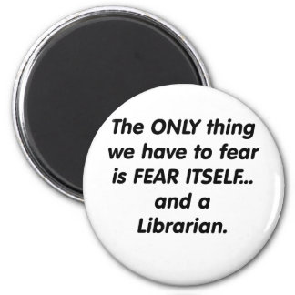 fear librarian 6 cm round magnet