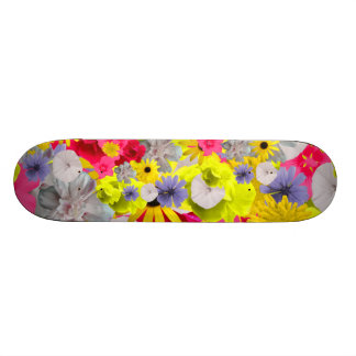 Feminine Flowers In Beautiful Blooming Colours 20.6 Cm Skateboard Deck