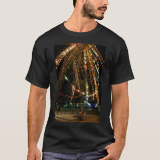 Ferris Wheel in Turkmenistan: Cool Vintage Photo T-Shirt