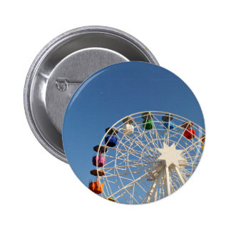 Ferris wheel with colorful baskets 6 cm round badge