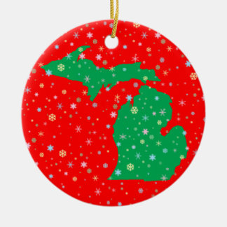 Festive Green and Red Map of Michigan Snowflakes Round Ceramic Decoration