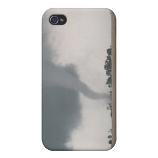 Field Tornado iPhone 4/4S Cover