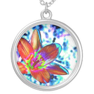 Fire flower round pendant necklace