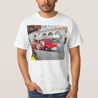 Fire truck on duty T-Shirt