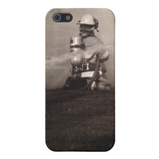 Firefighter Working iPhone 5/5S Cover