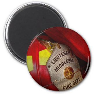 Fireman - Everyone loves red 6 Cm Round Magnet