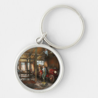 Firemen - Answering the firebell 1922 Silver-Colored Round Key Ring