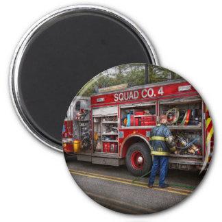 Firemen - The modern fire truck 6 Cm Round Magnet