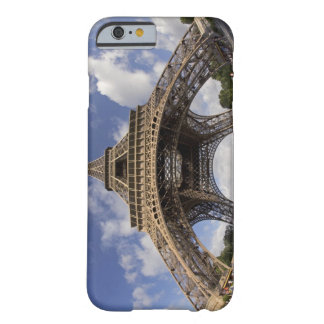Fish eye shot of Eiffel tower Barely There iPhone 6 Case