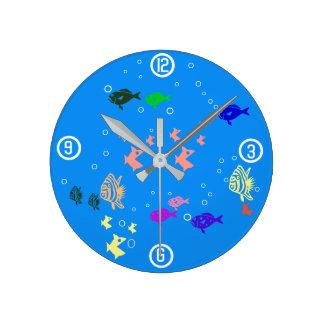 Fishbowl Round Clock