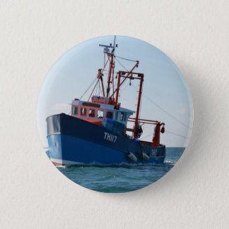 Fishing Boat In The Channel 6 Cm Round Badge