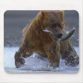 FISHING GRIZZLY BEAR & SALMON Wildlife Mousepad