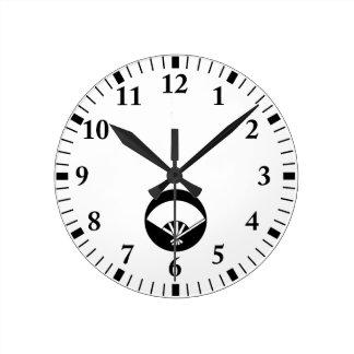 Five bones fan in rice cake round clock