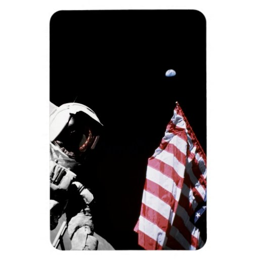 Flag and Earth Magnet