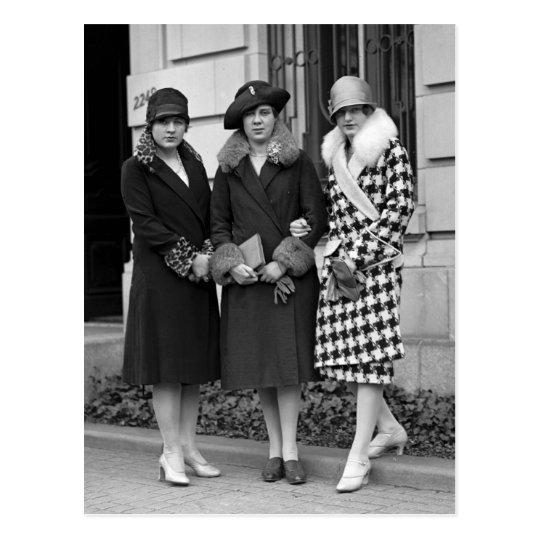 Flapper Girls, Cloche Hats 1920s Postcard