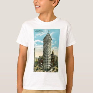 Flat Iron Building. Broadway and Fifth Ave. NYC T-Shirt