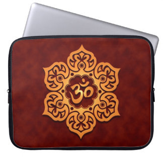 Floral Aum Design, golden red Computer Sleeve