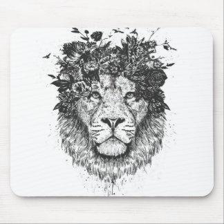 Floral lion (blackandwhite) mouse mat