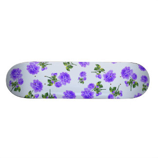 Floral patterns: purple roses on baby blue 19.7 cm skateboard deck