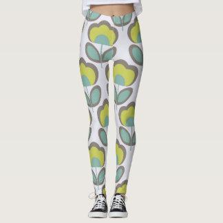 Floral Retro 70's Wallpaper Pattern Leggings