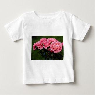 Floribunda 'Pleasure' flowers T-shirt
