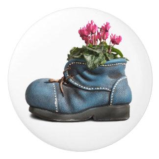 Flower boot door knob drawer pull