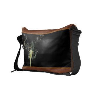 Flower - Dandelion - Gesundheit Courier Bag