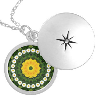 Flower-Mandala, Daisies Round Locket Necklace