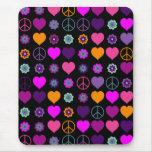 Flower Power Heart Peace Pattern + your backgr.