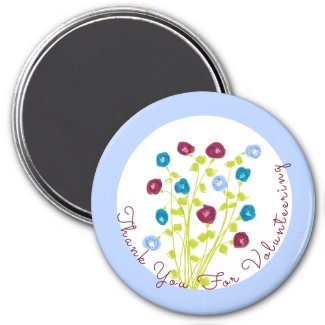 Flowered in burgundy and blue magnet