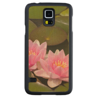 Flowering water lilies carved maple galaxy s5 case