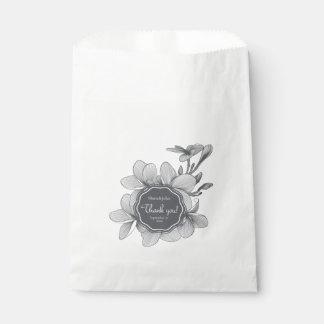 Flowers Plumeria (monochrome)White Favor Bag Favour Bags