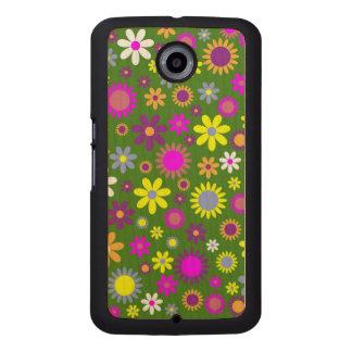 Flowery field pattern wood phone case