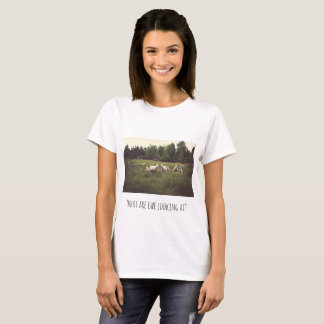 Fluffy white sheep green pasture pun T-Shirt