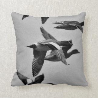 Flying wigeon throw cushion