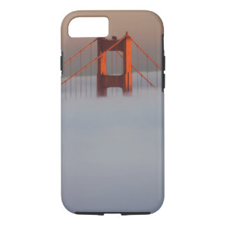 Fog rolls through the San Francisco bay covering 2 iPhone 8/7 Case