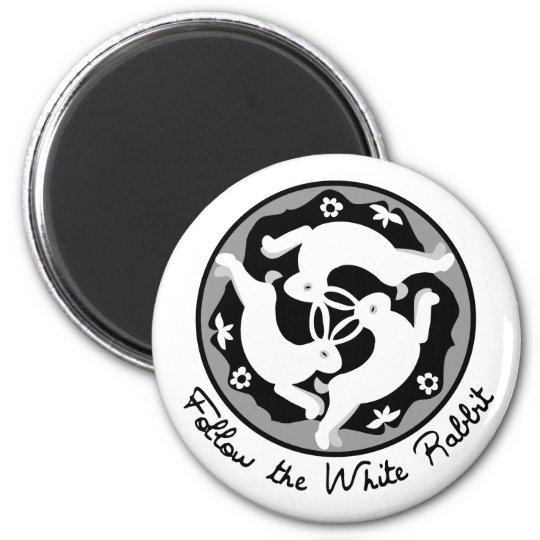 Follow the White Rabbit 6 Cm Round Magnet