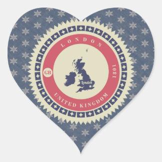 Fondo azul estrellas y label de Londres Pegatina Corazón Personalizadas