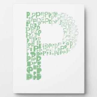 Font Fashion P Plaque
