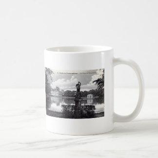 Fontainebleau Palace, France 1910 Vintage Coffee Mug