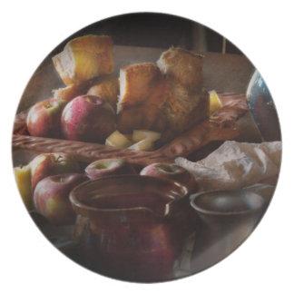 Food - A tribute to Rembrandt - Apples and Rolls Party Plates