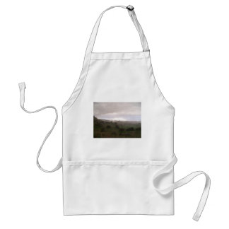 Foothills and mist standard apron
