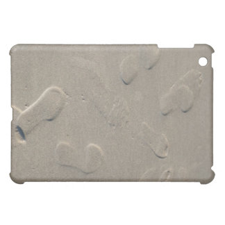 Footprints on the beach iPad mini case