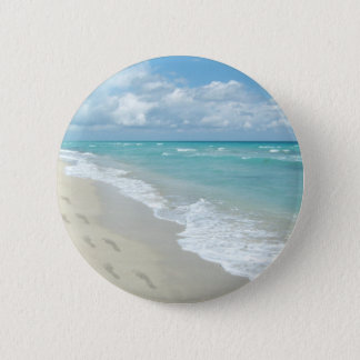 Footprints on White Sandy Beach, Scenic Aqua Blue 6 Cm Round Badge