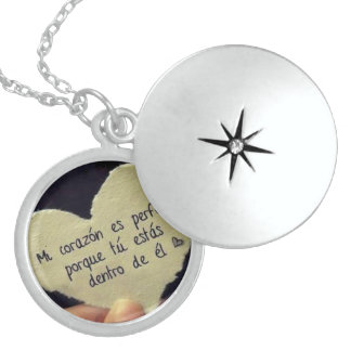 For your pair round locket necklace